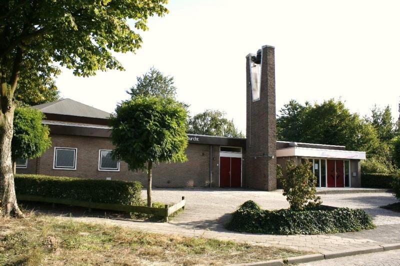 800px-12361_Wageningen_Ger.Kerk_Vrijgemaakt._de_Wagenburcht_1967_Gld._opname_17-09-2009_foto._André_van_Dijk._Veenendaal._Kerkenverzamelaar